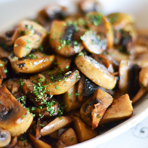 - mushrooms in garlic V